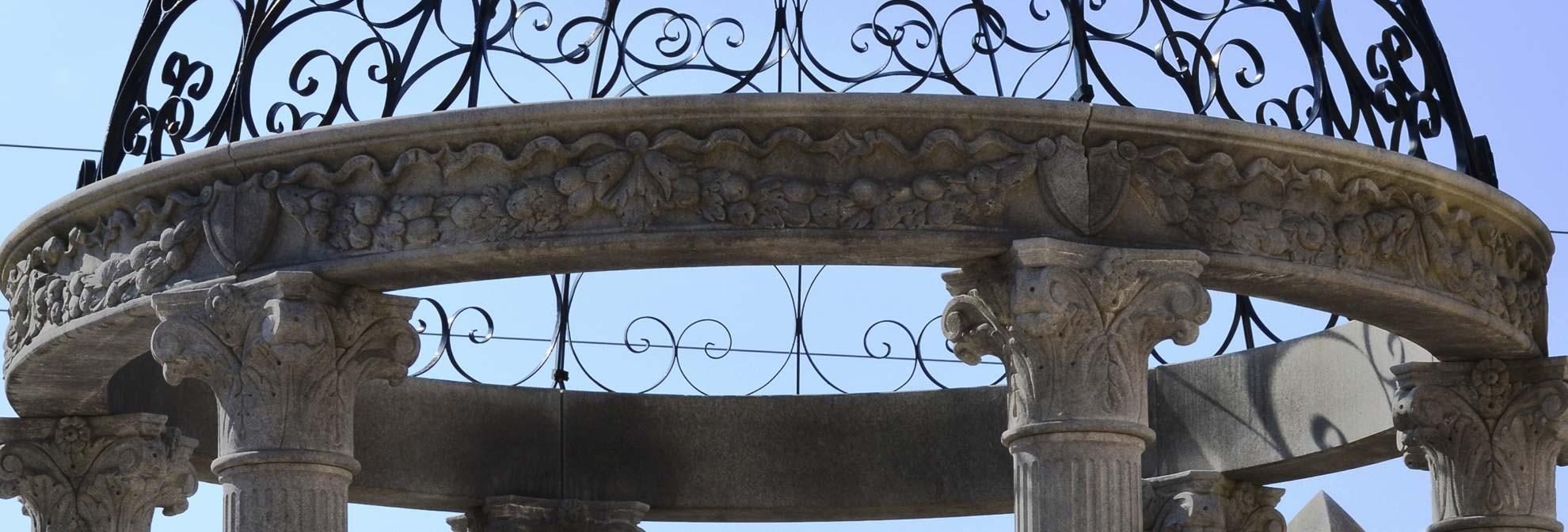 Statue ed elementi in pietra di vicenza per ornamento for Gazebo in stile francese